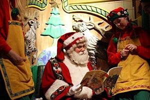 A Mall Santa in New York