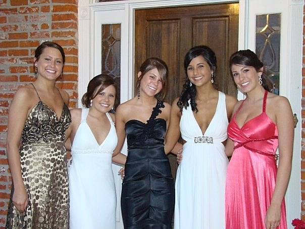 5 Awesome Local Prom Dress Shops In Lafayette