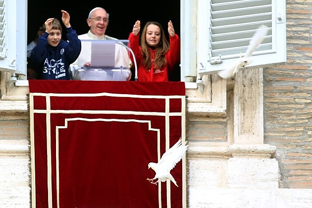 Pope Francis and Children Releasing Doves