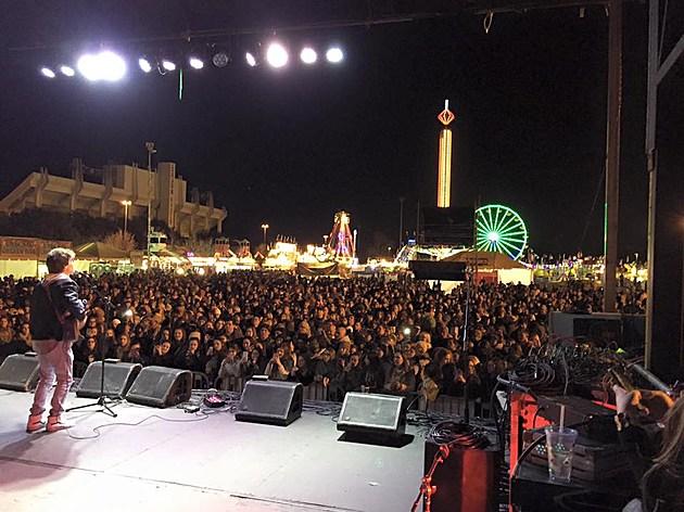 Le Festival de Mardi Gras a Lafayette, Facebook