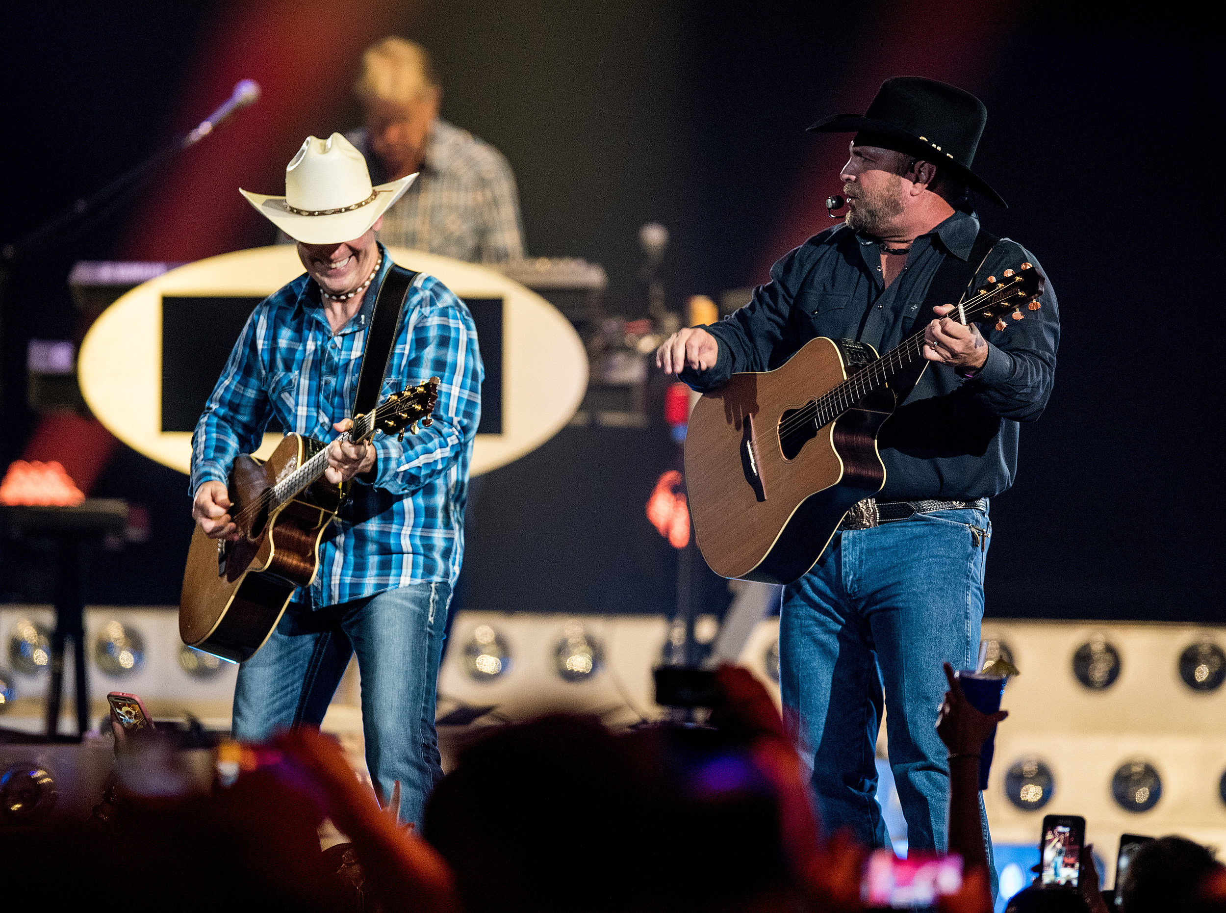 Garth Brooks Tickets Still Available For This Weekend